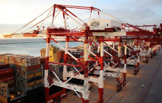 BEST Extends Cranes to Handle Boxship Giants